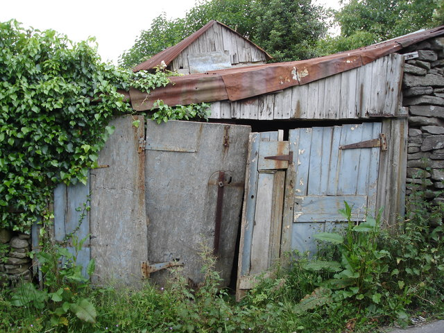 Wonderful old shed by the road up to the Sugar Loaf car park