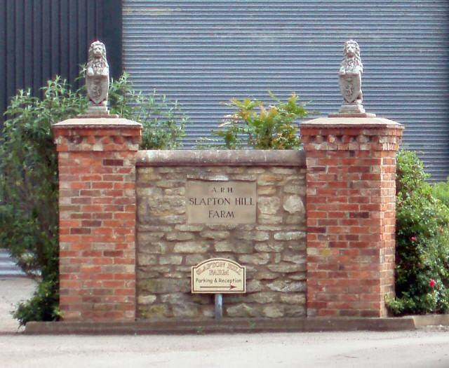 Slapton Hill Farm sign