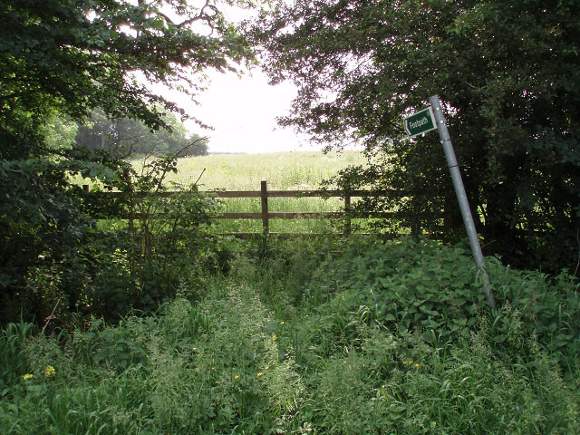 Footpath near Woodend Green