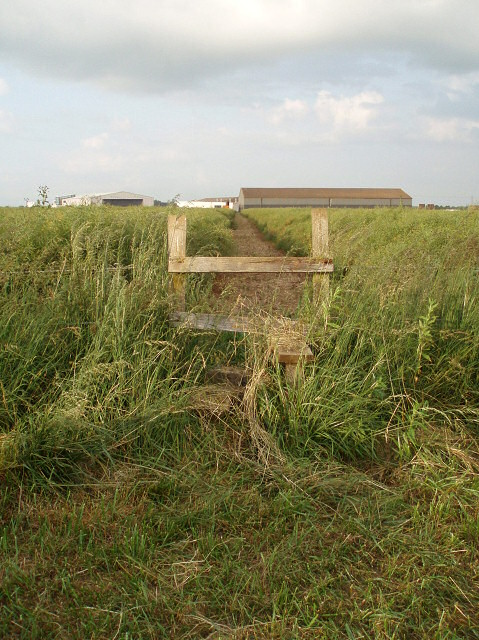Stile in footpath to Turweston Airfield
