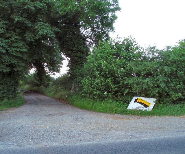 Entrance to Shalstone Grounds Farm