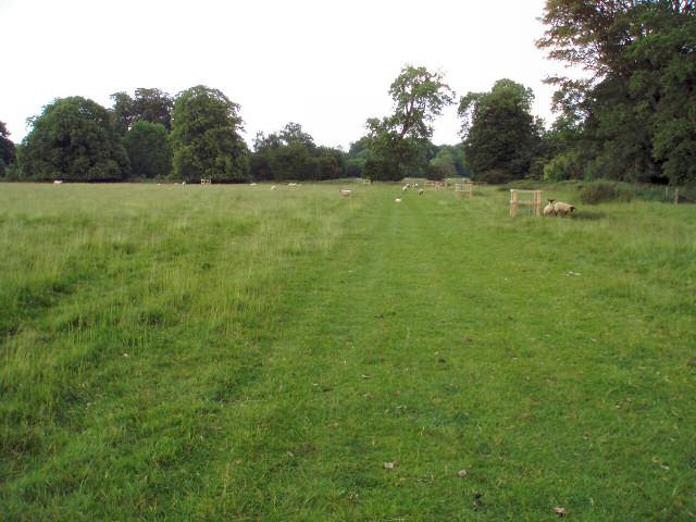Track near Biddlesden Park