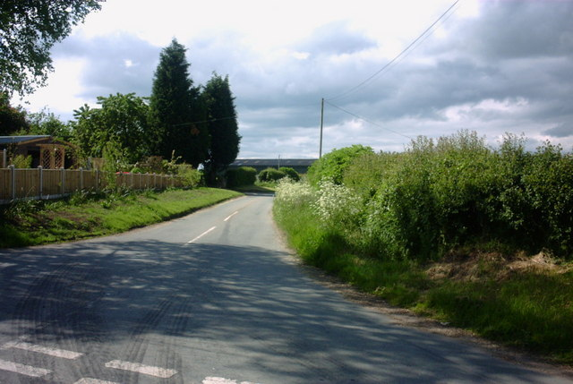 Lane to Coton End Farm