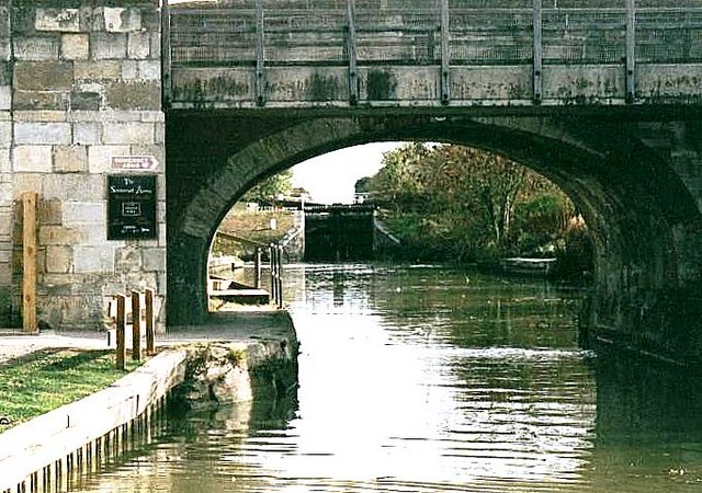 Semington Bridge - No.160 - K&A Canal - 2003
