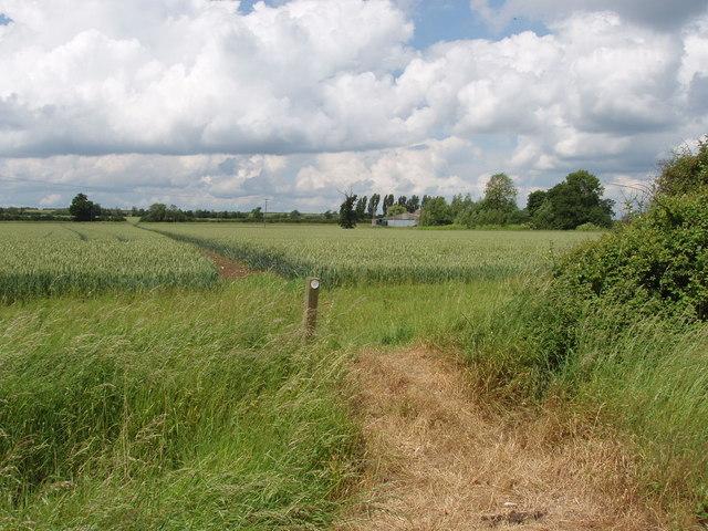 Footpath, Fleet Marston to Lower Blackgrove Farm