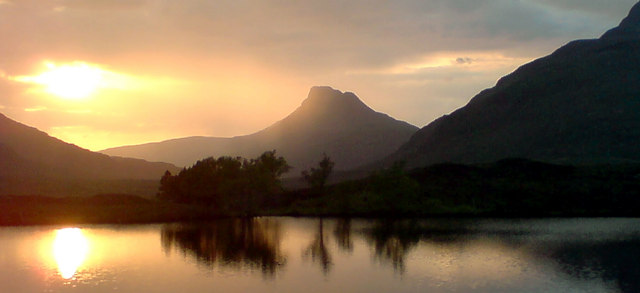 Sunset over Loch na Dromannan, with Stac Pollaidh