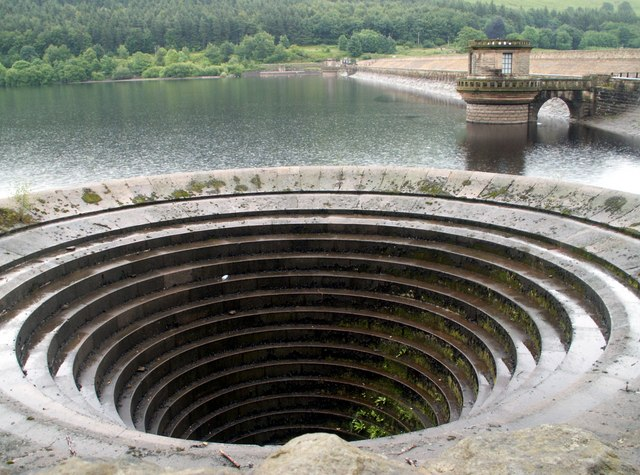 Ladybower Reservoir Overflow & Dam Wall