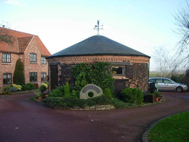 Post mill roundhouse in Upton, Nottinghamshire