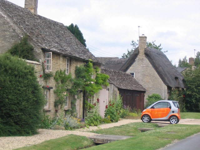 Cottages and Car in Minster Lovell