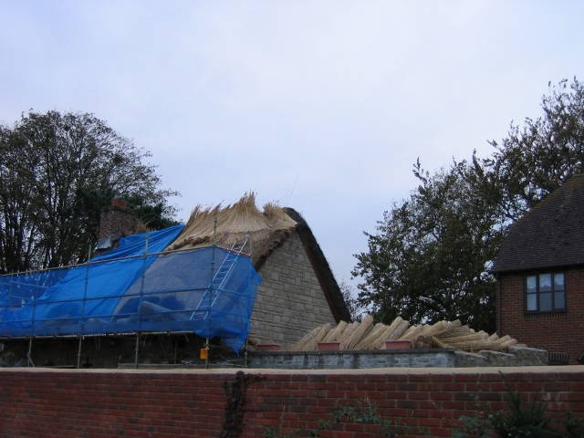 Re-thatching a cottage in Highworth