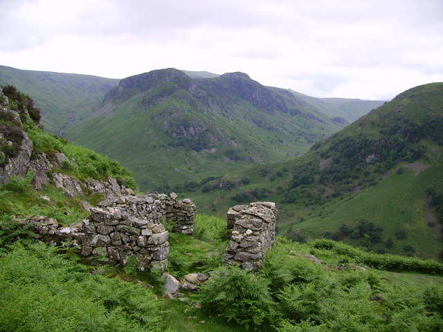 Ruin, Lingy End
