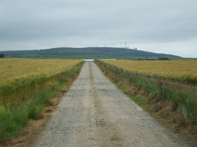 Farm road from Kindrought