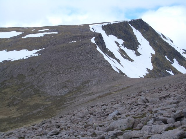 West facing slopes of Sron Riach