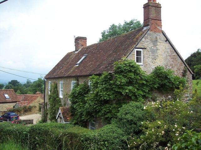 Cottages in Kington Magna