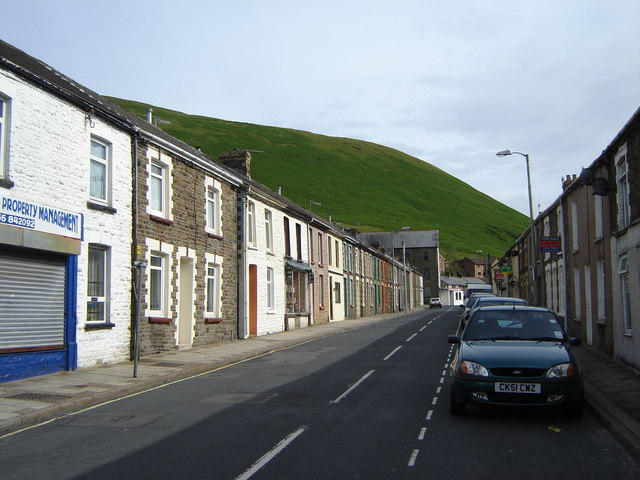 Terraced housing on the A4061, Price Town