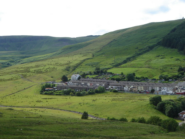 The end of the village, with scenery, Cwmparc