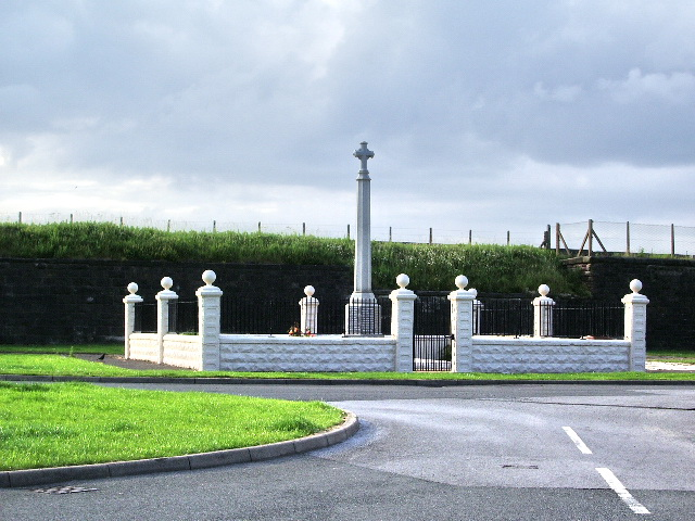 War memorial, Parton