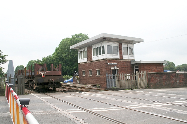 Low Gates Level Crossing and Signal Box
