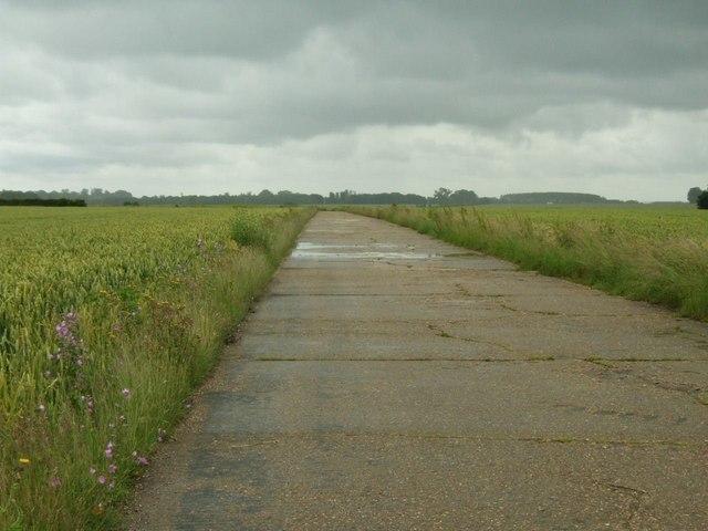 Perimeter road at Gransden airfield