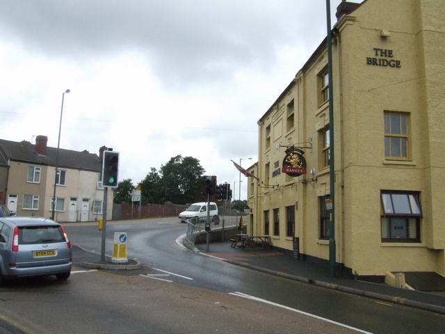 The bridge and Bridge Inn at Lane Head