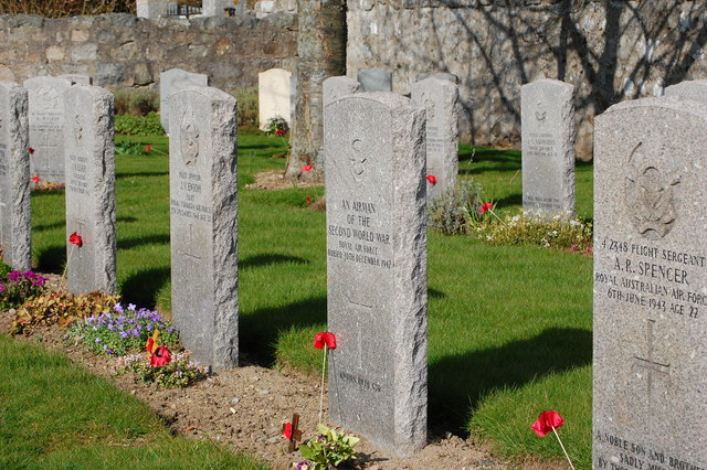 Unknown airman's grave at Dyce war cemetery