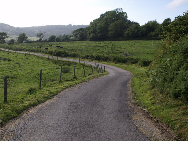 Farm road to Great Coombe Farm