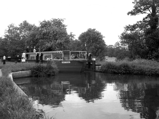 'Harry Stevens' at Unsted Lock, River Wey, Surrey