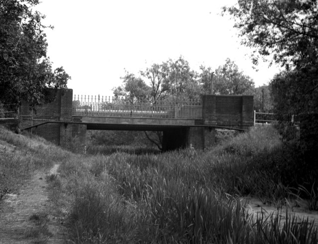 Ash (road) bridge, Basingstoke Canal