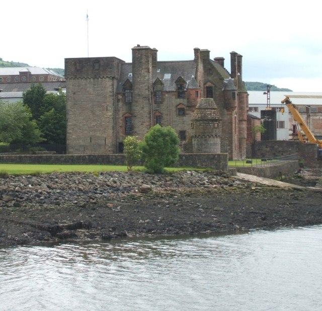 West towards Newark Castle
