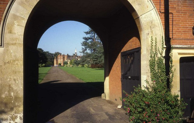 Madresfield Court gatehouse and driveway