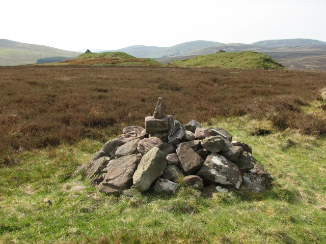 Hare Hill, cairn
