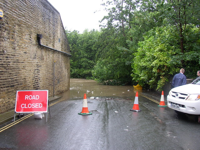Road closed at Thornhill Briggs, Brighouse