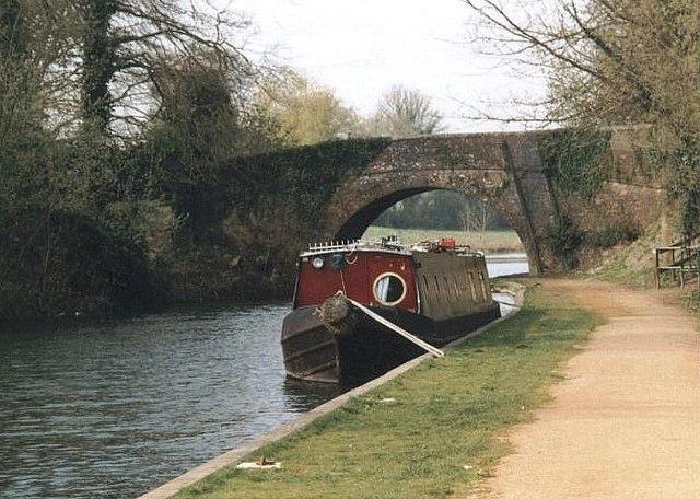 Vicarage Bridge - No.42 - K&A Canal, Kintbury - 2002