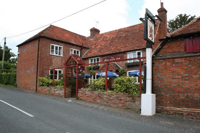Red Lion Inn, Mortimer West End Green