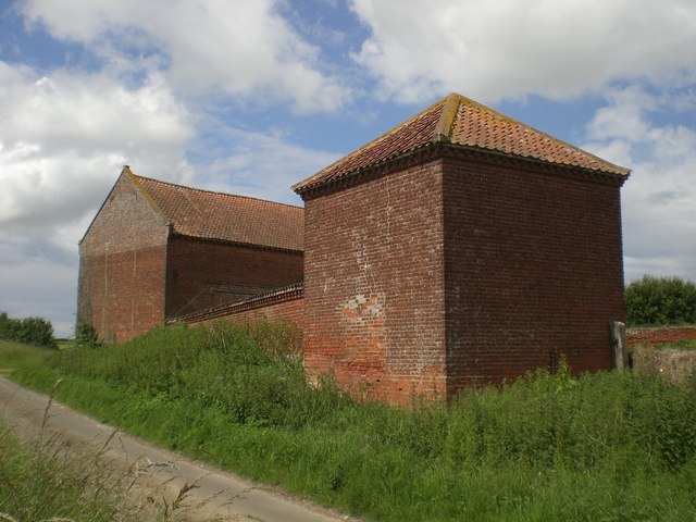 Field Barn near Wighton