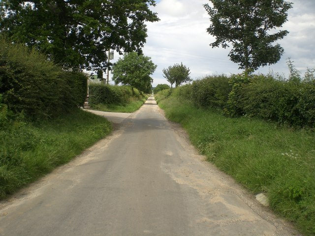 Long Lane running north from Nutwood Farm