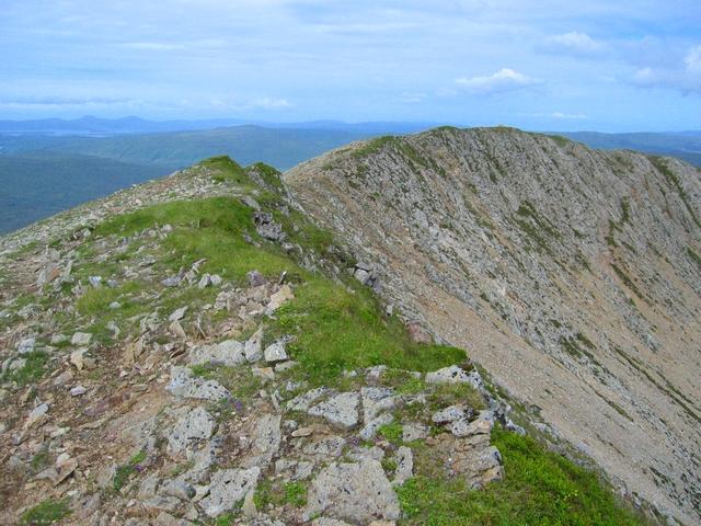 Summit ridge of Beinn Dearg Mheadhonach