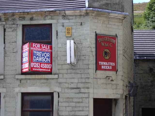 WM Club Crawshawbooth Detail