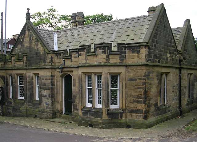 Cliffe Castle - Lodge