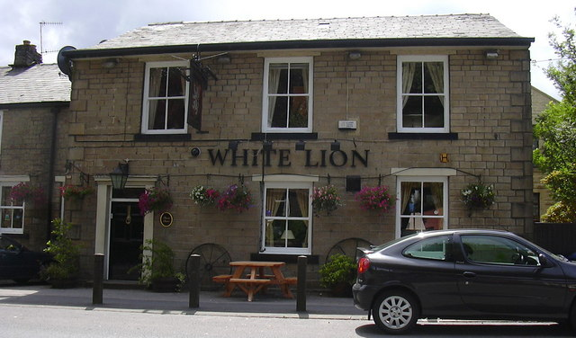 White Lion Burnley Road