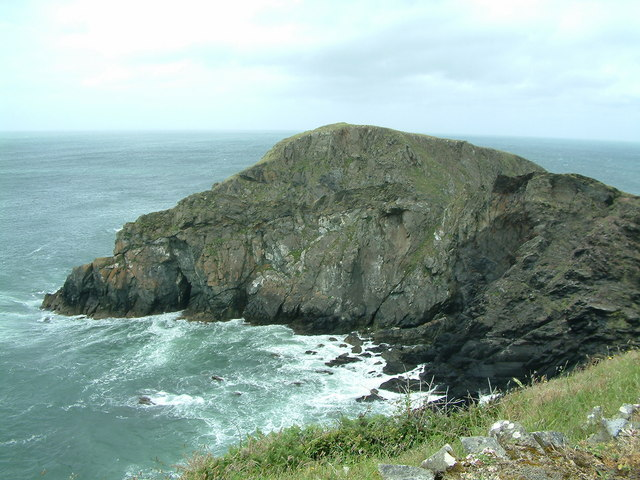 Ynys Deullyn, Abercastle, Pembrokeshire