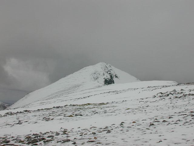 Along the south east ridge of A'  Chràlaig