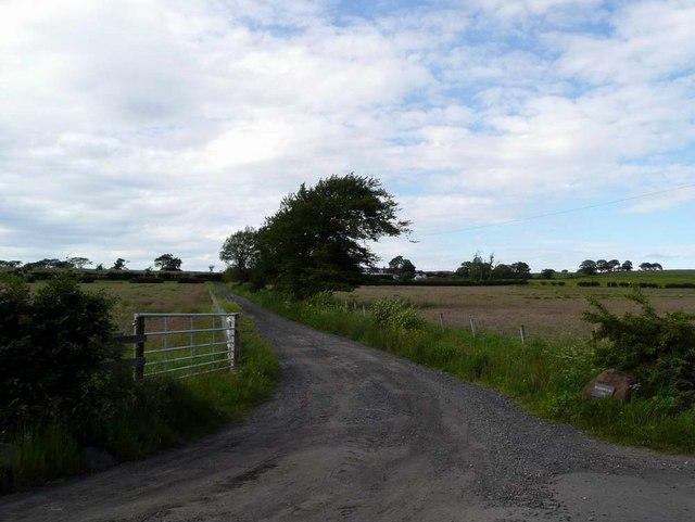 Meadowhead farm roadend