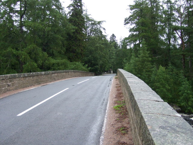 A93 across the River Dee at Invercauld