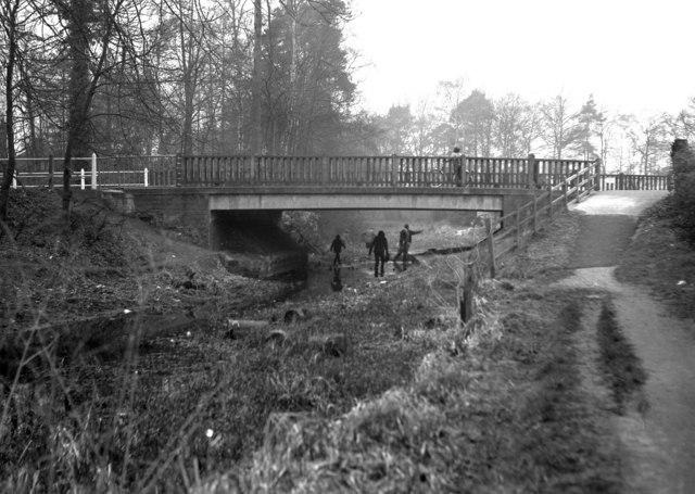 Reading Road Bridge, Basingstoke Canal