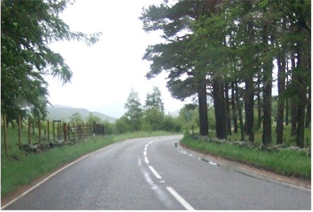 Bend in the road near Braemar Castle