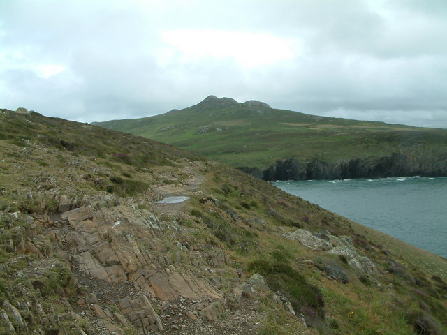 Porthmelgan towards Carn Llidi and Carn Hen