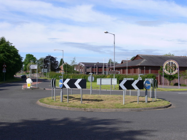 Roundabout Chevrons & Sign