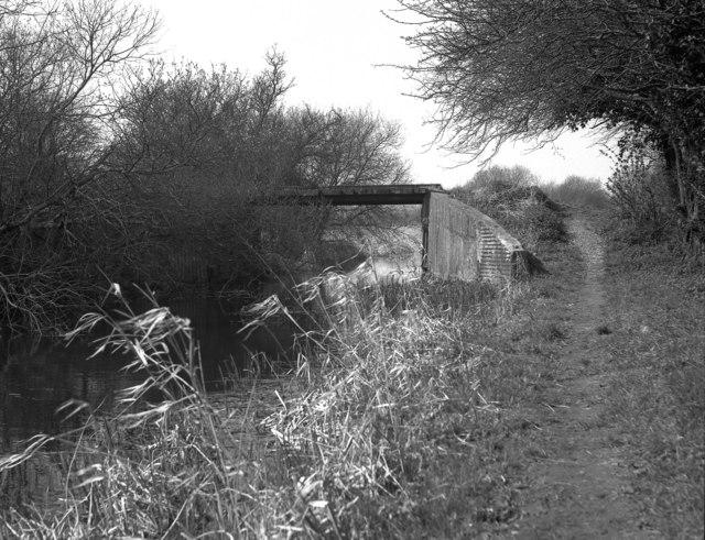Lodge Bridge, Basingstoke Canal
