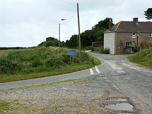 Road to Lanhoose